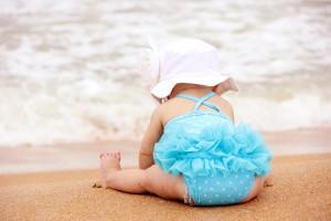 Protección solar para bebé en la playa