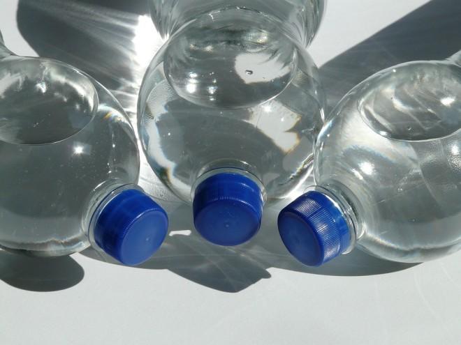 botellas de plastico para el agua